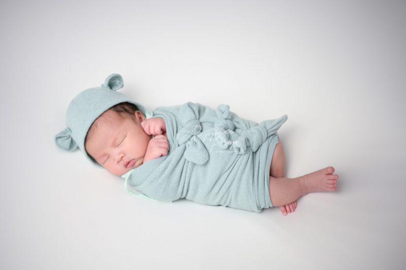 ถ่ายภาพเด็กแรกเกิด-ทารก-พัทยา-ชลบุรี-ช่างภาพ-ครอบครัว-newborn-baby-studio-pattaya-family-photo-photographer3